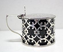 A Victorian pierced silver drum mustard,