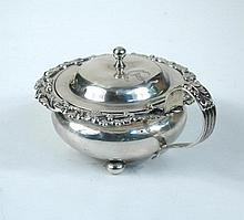 A George III silver mustard pot,