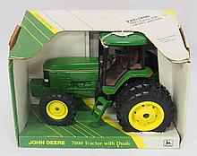 NIB Ertl 1/16 scale John Deere 7800 with duals - near mint