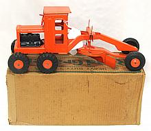 NIB Marx Road Grader - toy is near mint, box is very good