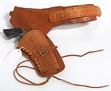 Wild Bill Hickok single gun & holster set, Leslie Henry - great condition
