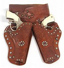 Gene Autry double cap gun & holster set, Leslie Henry - very good condition