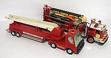 Plastic fire truck & Nylint fire truck - as is