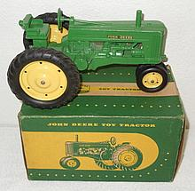 John Deere 60 with the original box - Excellent Condition