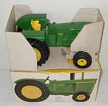 John Deere 5020 with air cleaner in ice cream box - Excellent
