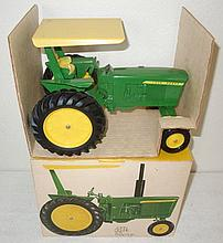 John Deere 3020 with canopy in ice cream box - Excellent