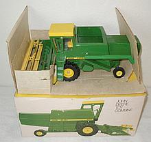 John Deere 6600 combine, metal reel in ice cream box - Excellent