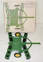John Deere disk in ice cream box - Excellent