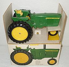 John Deere 3020 wide wheels in ice cream box -  Excellent