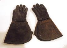 Model T driving gloves