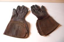 Model T leather driving gloves