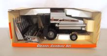 Scale Model R-62 Gleaner Combine Set