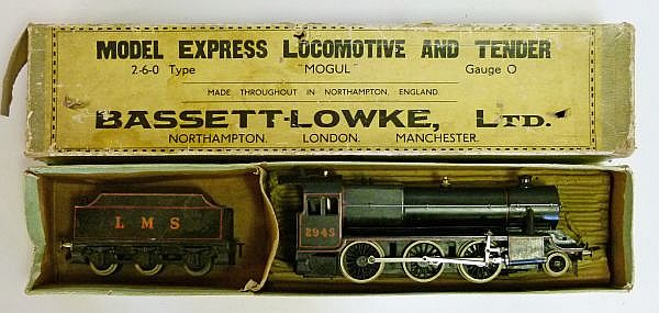 Model Railway - Bassett-Lowke 0 Gauge live steam