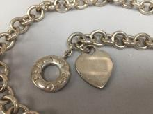 Authentic TIFFANY & CO. 925 Sterling Silver Heart Chain Necklace w/Toggle.