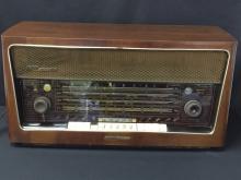 1957 GRUNDIG MAJESTIC Hi-Fi Model 4090 Tube Radio.