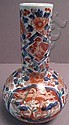 A GOOD JAPANESE IMARI PORCELAIN DECORATED VASE.