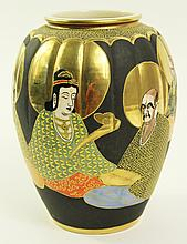 JAPANESE SATSUMA POTTERY DRAMATIC GOLD AND BLACK