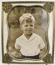 HIGHLY DECORATED EARLY 20TH CENTURY PHOTO FRAME.