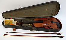 Antique Violin With Bows