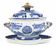 Chinese Export Blue Fitzhugh table ware