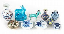 10 miniature oriental porcelain & ceramic objects