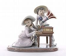 Lladro figural group: Music Time