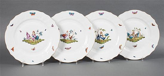 Set of four Herend porcelain dinner plates in the