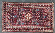 Semi-antique Hamadan rug, approx. 2.4 x 5.2