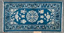 Semi-antique Chinese rug, approx. 2.6 x 5