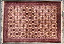 Fine Indo-Persian carpet, approx. 8.3 x 11.4