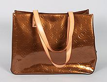 Lady's Louis Vuitton handbag/tote bag