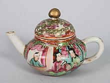 Chinese Export porcelain miniature teapot