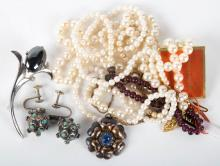 A Selection of Vintage Jewelry