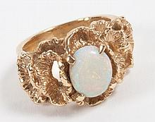 14K gold nugget ring with center oval opal