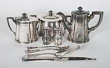 Assorted B & O silver-plated flat & hollow ware
