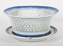Chinese Export Canton porcelain chestnut basket