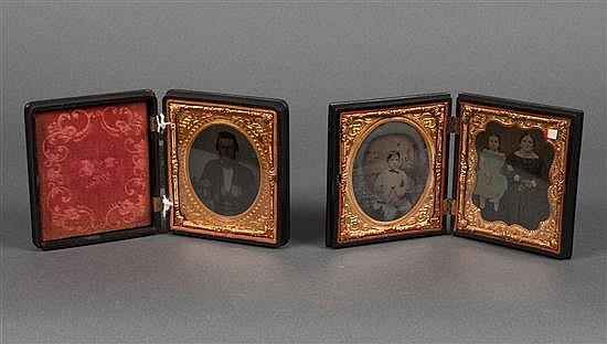 [Photography] Two thermoplastic Union cases with ambrotypes