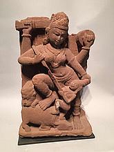 Mahisasuramardini forme de Durga tuant le démon buffle.