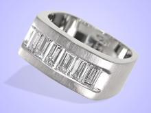 Ring: exklusiver Platinring mit großen Baguette-Diamanten, hochwertiger Markenschmuck (NO LIVE FEE)