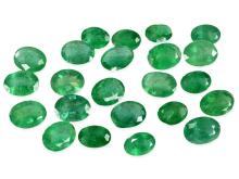 Konvolut von 23 natürlichen Smaragden von zusammen 20,37ct (NO LIVE FEE)