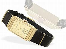 Wristwatch: Early square gentlemen's watch by Le Coultre, gold, ca. 1940