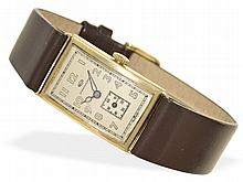 Wristwatch: Early square gentlemen's watch by IWC, goldcase, from the 30s/40s