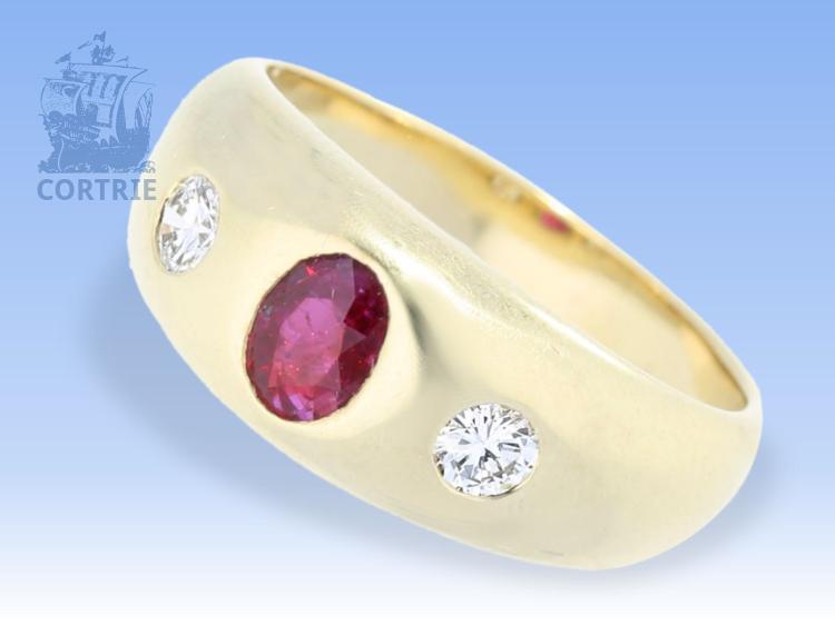 Ring: sehr hochwertig gearbeiteter Bandring mit Rubin und Brillanten