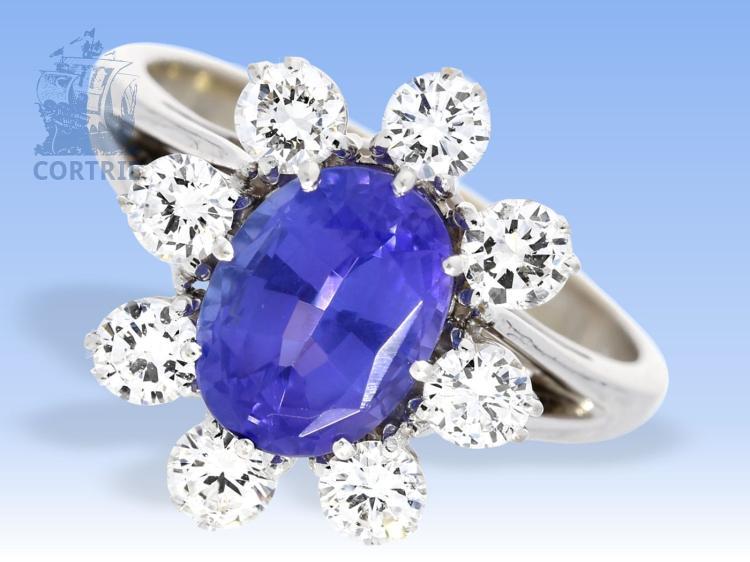 Ring: hochwertiger Goldschmiedering mit Tansanit und feinsten Brillanten, ca. 2,1ct