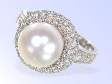 High-quality diamond and pearl platinum ring