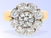 Diamond cluster ring of very high quality, 2.08 ct