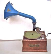 1897 COLUMBIA GRAPHOPHONE WITH HORN