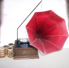 EDISON DISK PLAYER WITH HORN