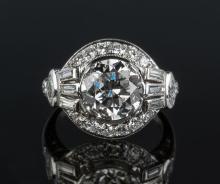 Ladies Platinum and Diamond Vintage Ring