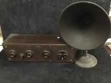 Atwater Kent radio receiving set 4640 w/ upright speaker horn
